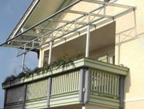 Balkonüberdachungen aus Stahl und Glas
