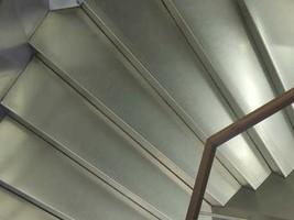 Kurventreppe mit Stahlstufen