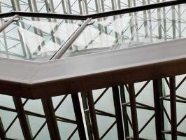 Stahltreppe mit Glasfüllung